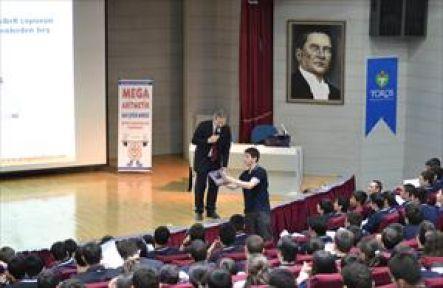 Dünya hafıza şampiyonu Duyar'dan Toros'lu öğrencilere konferans
