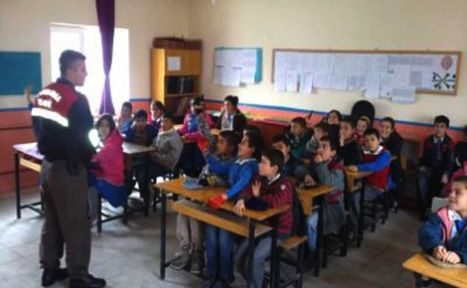 Jandarmadan lköğretim okullarında örnek eğitim