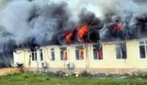 Yangın çıkan lisede ikili eğitim başladı